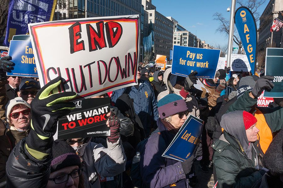 workers protest the government shutdown